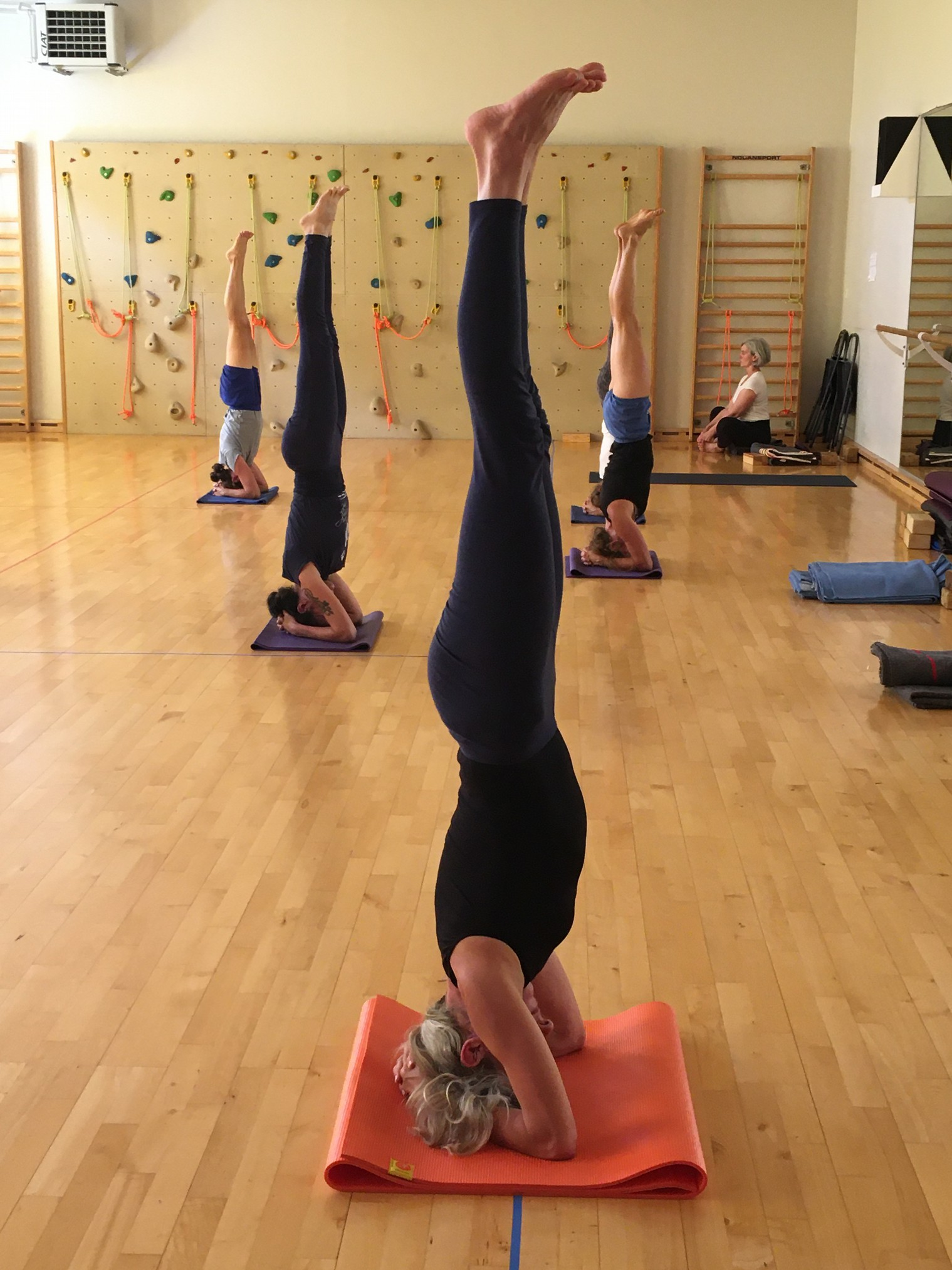 stages-yoga-t-2021-002